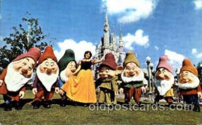 dis100040 - Snow white and Seven dwarts Disney Postcard Post Card