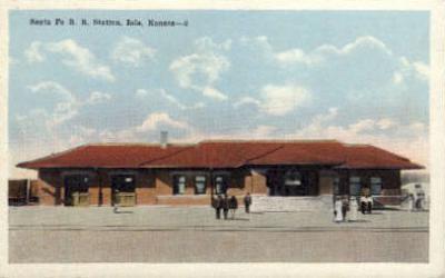 dep-KS003 - Santa Fe R.R. Station, Iola, Kansas, KS, USA, Railroad Train Depot Postcard Post Card