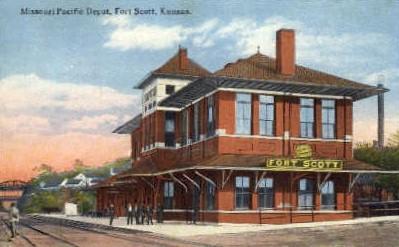 dep-KS014 - Missouri Pacific Depot, Fort Scott, Kansas, KS, USA, Railroad Train Depot Postcard Post Card