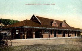dep-CT023 - Railroad Station, Putnam, Connecticut CT, USA Railroad Train Depot Postcard Post Card
