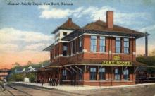 dep-KS008 - Missouri Pacific Depot, Fort Scott, Kansas, KS, USA, Railroad Train Depot Postcard Post Card