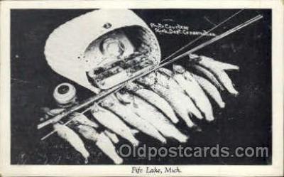 fis001012 - Fishing Postcard Post Card
