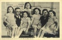 fam100327 - The Dionne Quintuplets Famous People Old Vintage Antique Postcard Post Card