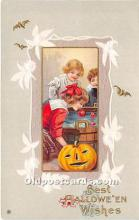 hol011094 - Halloween Postcard Old Vintage Post Card