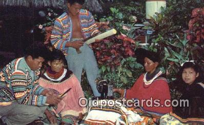 ind200529 - Seminole Indian Family Engaged in the Crafts Indian Postcard, Post Card