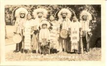 ind000109 - Sioux Indians, Mandan, N.D. USA, Indian Postcard Postcards