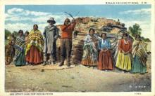 ind200110 - Navajo at home Indian Postcard Post Cards