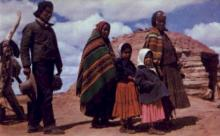 ind200115 - Navaho Family Indian Postcard Post Cards