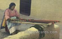ind200163 - Indian Women weaving a sash Indian Postcard, Post Card