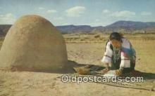 ind200422 - Indian Woman Grinding Corn Indian Postcard, Post Card