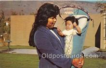 ind200780 - Indian Lady & Her Baby Warm Springs, Oregon, USA Postcard Post Cards