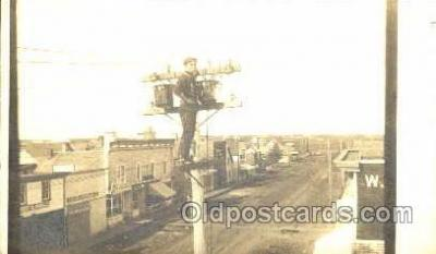 lin001004 - Utility Pole Workers, Telephone, Electric, Elecrical Linemen, Real Photo Postcard Postcards