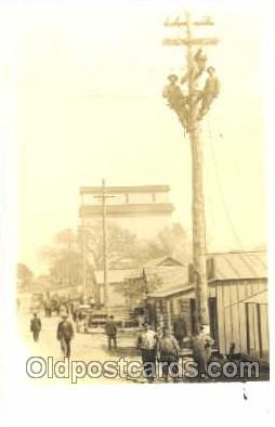 lin001009 - Utility Pole Workers, Telephone, Electric, Elecrical Linemen, Real Photo Postcard Postcards