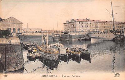 mil051661 - Military Battleship Postcard, Old Vintage Antique Military Ship Post Card