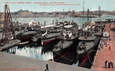 mil052161 - Military Battleship Postcard, Old Vintage Antique Military Ship Post Card