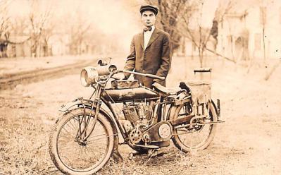 mot000010 - Indian Motorcycle Postcard