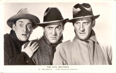 mov016009 - The Ritz Brothers In the Gorilla, Actor / Actress Postcard Post Card Old Vintage Antique Movie Star