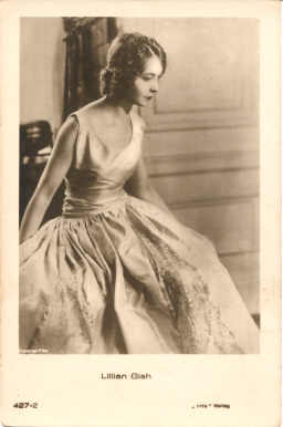 mov420005 - Lillian Gish Actor / Actress Postcard Post Card Old Vintage Antique Movie Star