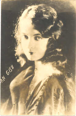 mov420006 - Lillian Gish Actor / Actress Postcard Post Card Old Vintage Antique Movie Star