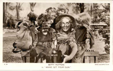mov505001 - Betty Hutton Actor / Actress Postcard Post Card Old Vintage Antique Movie Star