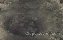 mil007126 - A wopundeed Roumanian in a shell hole,  Military Postcard Postcards