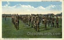 mil050020 - Life in the US army Military Postcard Postcards