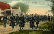 mil050152 - marching to meet the energy Military Postcard Postcards