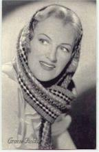 mov006011 - Gracie Fields Actor / Actress Postcard Post Card Old Vintage Antique Movie Star