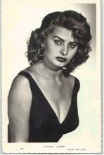 mov011016 - Sophia Loren Actor / Actress Postcard Post Card Old Vintage Antique Movie Star
