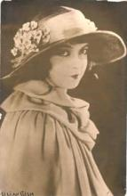 mov420016 - Lillian Gish Actor / Actress Postcard Post Card Old Vintage Antique Movie Star