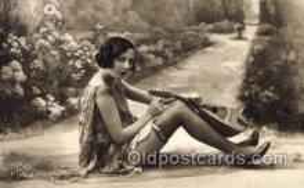 mus002054 - Music, Musical Instrument Post Card Postcards