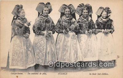 Geispolsheim, En Costume De Fete