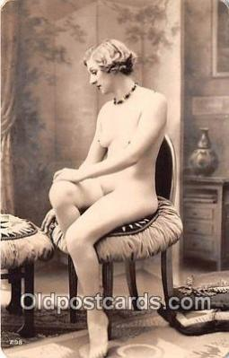 nud007077 - reproduction of vintage photos Postcard Post Card