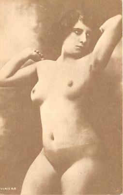 nud008168 - Nude Postcard