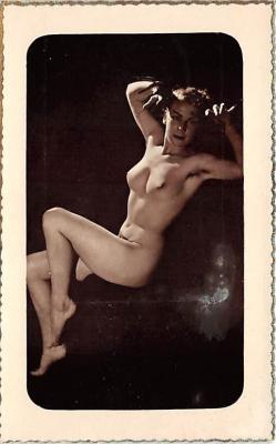 nud008482 - Nude Postcard
