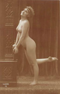 nud010004 - French Nude Postcard