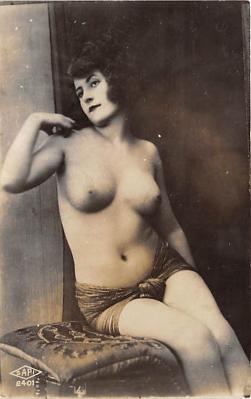 nud010041 - French Nude Postcard