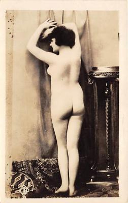 nud010054 - French Nude Postcard