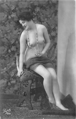 nud010056 - French Nude Postcard