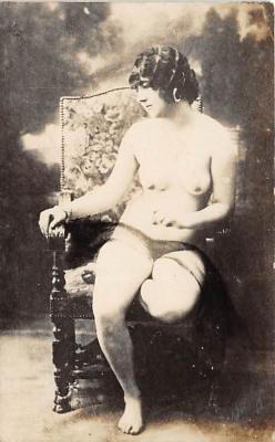 nud010070 - French Nude Postcard