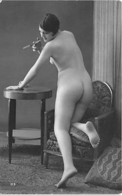 nud010084 - French Nude Postcard