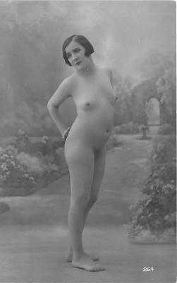 nud010089 - French Nude Postcard