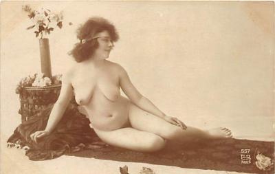 nud010103 - French Nude Postcard