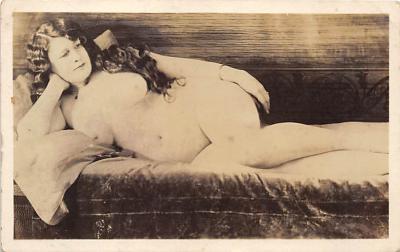 nud010105 - French Nude Postcard