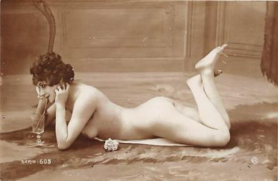 nud010106 - French Nude Postcard