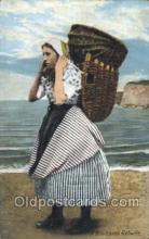nat001043 - A Newhaven fishwife Native Costume Postcard Postcards