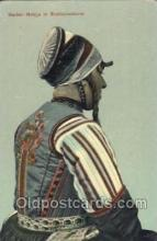 nat001053 - Marker Meisje in Bruidcostuum Native Costume Postcard Postcards