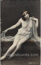 nud001143 - Nude Postcard Postcards