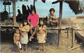 Primitivos y Pintorescos son los Indios Chocos del Darien