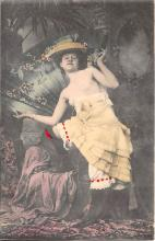 nud010025 - French Nude Postcard
